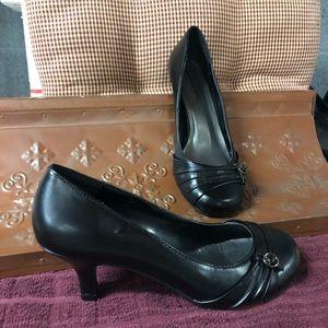 🌸🌸Black dress heels round toe🌸🌸